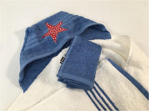 hooded bath towel youmakeitsimple.com blue