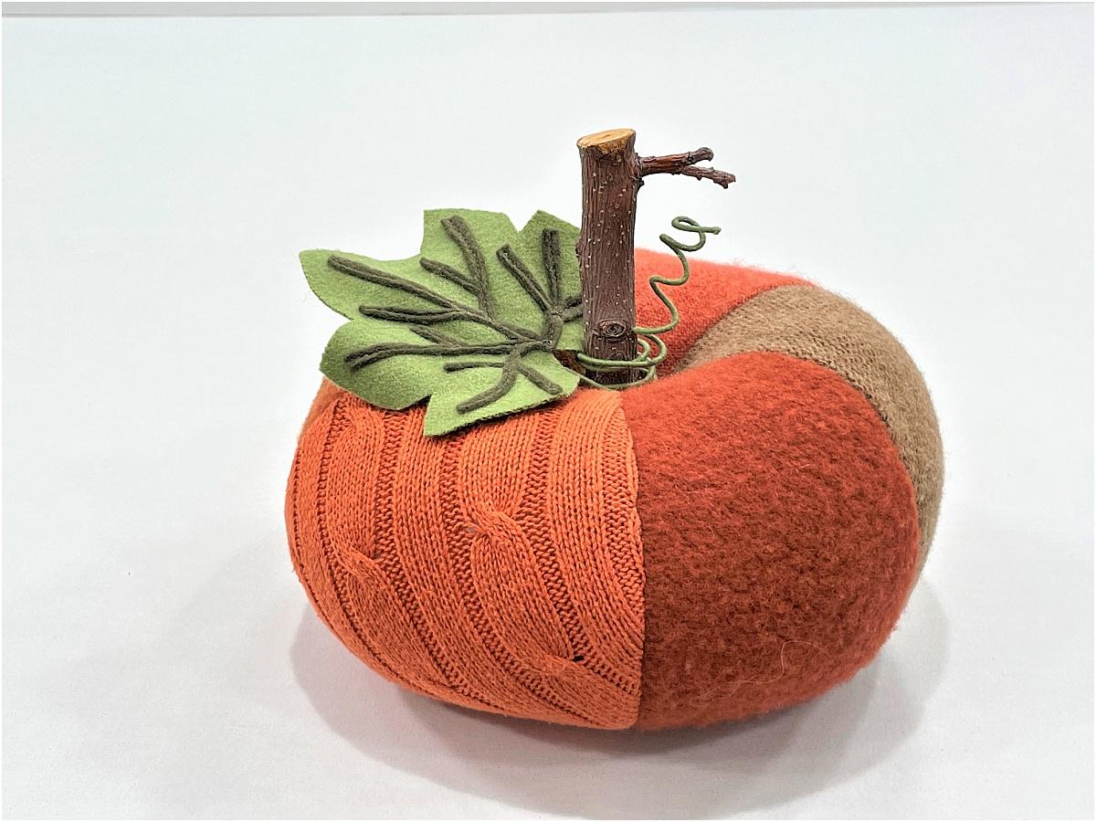 diy sweater pumpkins